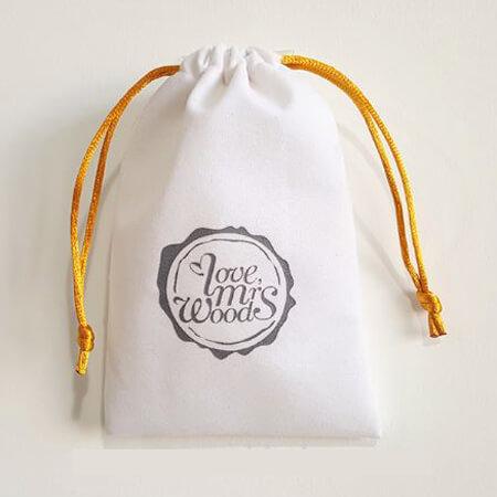 White velvet jewelry pouch custom logo 3
