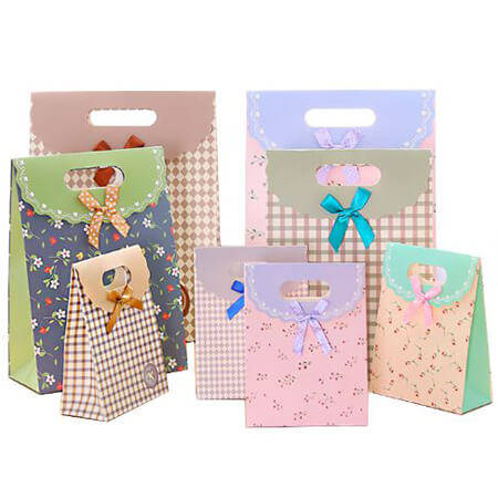 Mega colorful gift bags 1