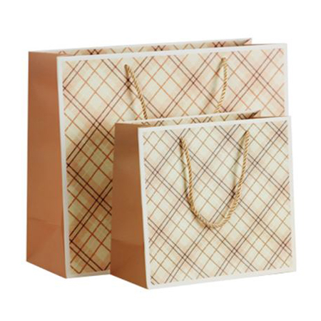 Recycled grid gift bags 4